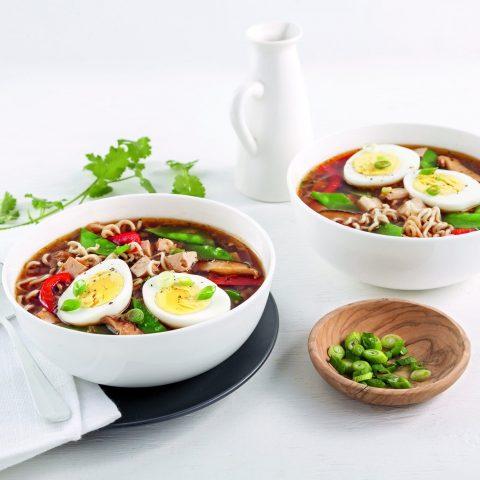 Soupe ramen au tofu et oeufs