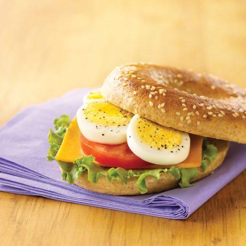 sandwich-aux-oeufs-cuits-dur-tranches1