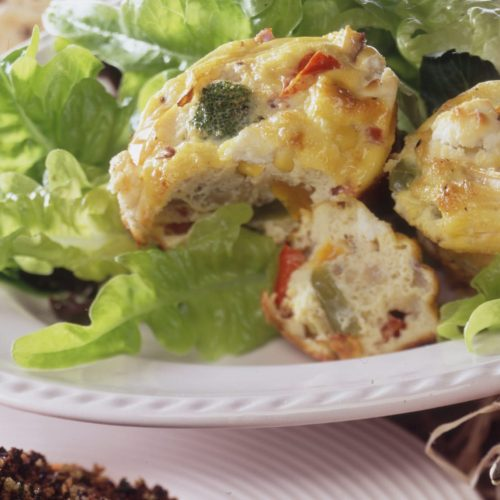 tartelettes-de-legumes-de-saison-aux-oeufs-et-au-fromage-de-chevre