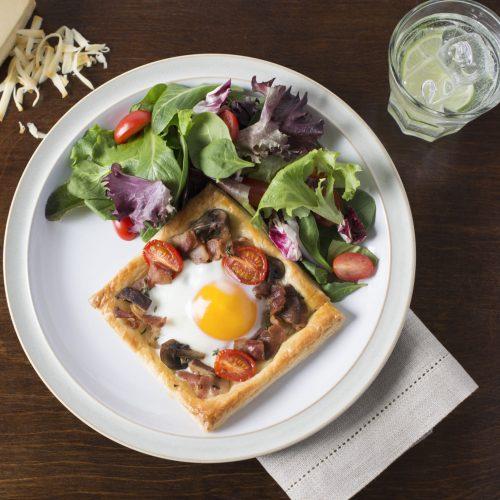 tartes-delicieuses-aux-champignons-tomates-et-au-bacon